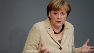 """La chancelière allemande, Angela Merkel, a rappelé, ce lundi matin, le caractère """"essentiel"""" de la relation franco-allemande, pour Berlin."""