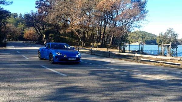 L'A110 annonce un couple de 320Nm, ce qui fait beaucoup dans le plaisir de conduire de la sportive.