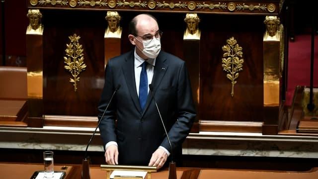 Le Premier ministre Jean Castex prononce un discours devant les députés de l'Assemblée nationale sur le maintien des élections régionales et départementales, le 13 avril 2021