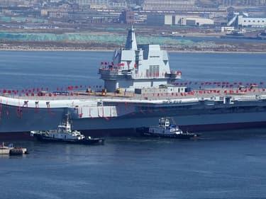 """Le second porte-avions chinois baptisé  """"Shandong"""" a été inauguré en 2019. La Chine s'apprête déjà à dévoiler le suivant."""
