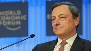 Mario Draghi assure que la BCE va suivre l'évolution du cours de l'euro