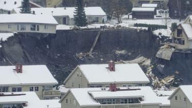 Des maisons emportées à Gjerdrum en Norvège le 30 décembre 2020.