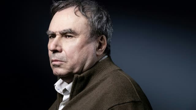 L'historien français Benjamin Stora pose pour une session de photo à Paris le 19 janvier 2021