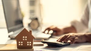 Investissement locatif immobilier : téléchargez le guide LMNP de BFM Immo