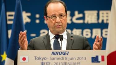 François Hollande a une nouvelle fois loué les mesures économiques japonaises tournées vers la croissance.