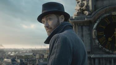 """Jude Law dans le rôle de Dumbledore, dans """"Les animaux fantastiques 2""""."""