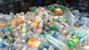 Des bouteilles en plastique destinées au recyclage à Bombay le 4 juin 2013 à la veille de la Journée mondiale de l'environnement