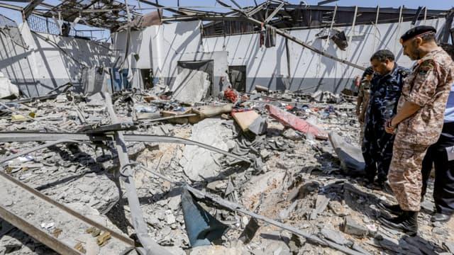Le centre après le raid aérien - MAHMUD TURKIA / AFP