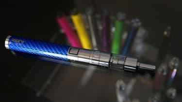 La première cigarette électronique a été commercialisée en Chine en 2004.