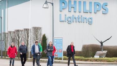 """Le géant de l'électronique Philips a affirmé qu'une entrée en Bourse de sa branche éclairage semblait désormais être l'option """"la plus probable""""."""