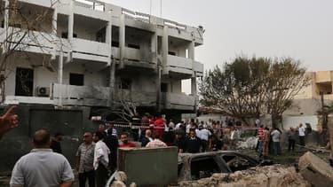 L'ambassade de France à Tripoli après l'attentat de mardi
