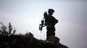 Soldat français en patrouille dans la province de Kaboul, fin 2009. Un caporal-chef du régiment de Poitiers est mort samedi en Afghanistan, devenant le 53e soldat français tué depuis le début de l'intervention étrangère dans le pays en 2001 et le premier