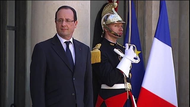Le chef de l'Etat a convoqué dans la matinée à l'Elysée l'ambassadeur d'Egypte à Paris le 15 août 201.