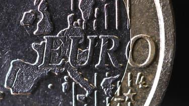 Dans une première estimation fondée sur son enquête mensuelle de conjoncture publiée jeudi, la Banque de France estime que la croissance économique devrait être nulle en France au deuxième trimestre. /Photo d'archives/REUTERS/Mal Langsdon