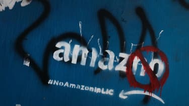 Graffiti anti-Amazon dans le quartier de Long Island City où le groupe devait implanter son nouveau siège.