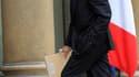 Le ministre de la Défense et ancien Premier ministre Alain Juppé s'est déclaré mardi prêt à répondre aux questions de la justice sur l'attentat de Karachi tout en se montrant prudent sur la levée du secret-défense. /Photo prise le 17 novembre 2010/REUTERS