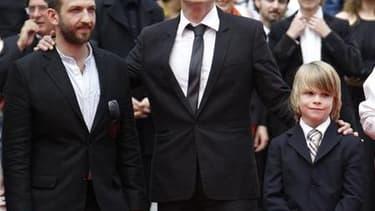 """Le réalisateur Markus Schleinzer, entouré de Michael Fuith (à gauche) et David Rauchenberger, les deux acteurs principaux de """"Michael"""", film dont la force est de présenter de manière crue un quotidien qui serait banal, s'il n'était celui d'un pédophile. /"""