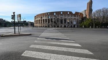 Les rues vides aux abords du Colisée, à Rome (Italie), le 10 mars 2020.