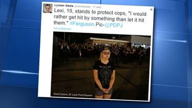 Lexi Kozhevsky en première ligne pour protéger les policiers, le 10 août, à Ferguson, dans le Missouri.