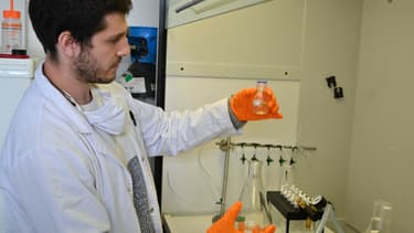 Maxime Haure a entamé début 2018 une thèse sur ce procédé d'extraction des parfums.