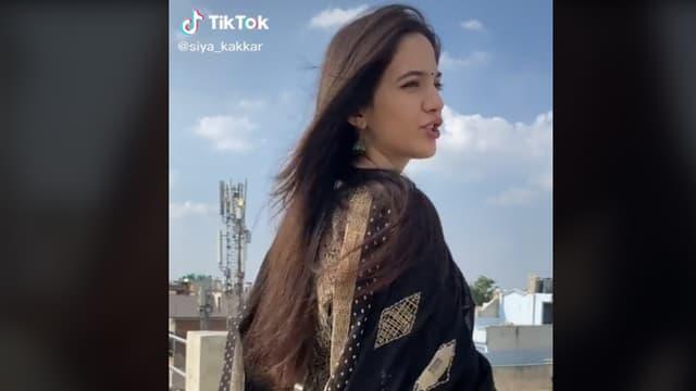 Capture d'écran du compte TikTok de Siya Kakkar