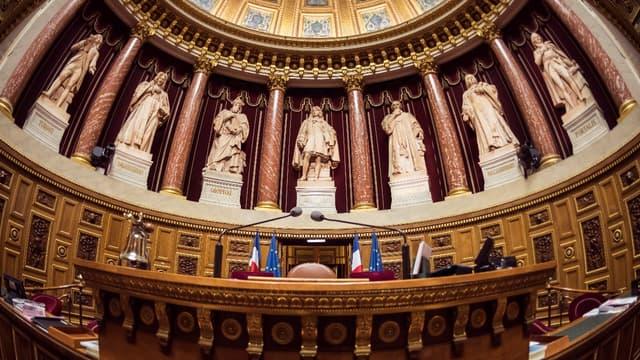 La chambre haute, dominée par l'opposition de droite, a à son tour approuvé l'article 2 du projet de loi de finances déjà adopté par l'Assemblée Nationale.