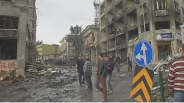 Un double attentat à la voiture piégée qui a fait 46 morts samedi à Reyhanli