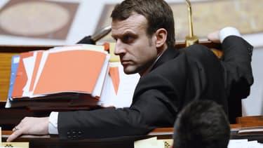 Emmanuel Macron souhaite que tous les décrets d'application soient signés avant la fin de l'année.