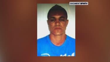 Les empreintes digitales de l'homme tué jeudi dernier à Paris après avoir tenté d'attaquer un commissariat correspondent à celles d'un homme soupçonné d'avoir pris part en 2013 à un vol avec violence à Luxembourg - Lundi 11 janvier 2016