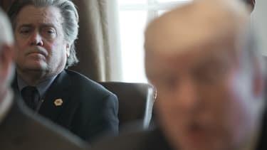 Steve Bannon, le conseiller stratégique de Donald Trump, estime que la confrontation avec la Corée du Nord n'est qu'une diversion.