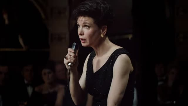 Renée Zellweger dans le rôle de Judy Garland