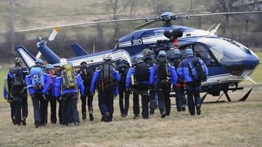 Plusieurs heures après le drame, la thèse de l'accident est privilégiée par Lufthansa, la maison-mère de la compagnie Germanwings, qui a perdu ce mardi dans un terrible crash un Airbus A320 dans le département français des Alpes-de-Haute-Provence. Mais des zones d'ombre ont émergé.