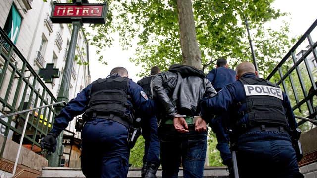Les violences crapuleuses (agressions pour voler) dans les transports en commun en France ont augmenté de 16% sur le premier semestre 2014