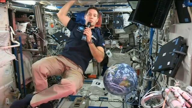 Thomas Pesquet à bord de la station spatiale internationale (ISS)