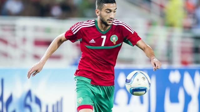 Hakim Ziyech avec le maillot de la sélection marocaine.
