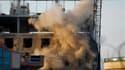 Explosion sur un site de construction où des combats ont opposé des hommes armés retranchés dans un immeuble et les forces de sécurité afghanes. Les combats qui opposaient depuis dimanche des insurgés et les forces de sécurité afghanes dans le quartier de