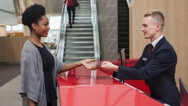 Air France noue différents partenariats pour pouvoir proposer des services et des produits à ses clients.