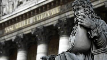 Statue de Colbert devant le Palais Bourbon