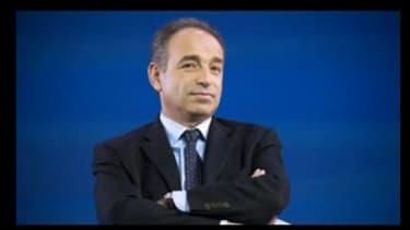 """Les propos de Jean-François Copé sur le livre """"Tous à poil"""" sont tournés en dérision par les internautes."""