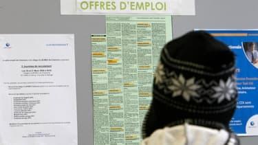 """Le retournement de la courbe du chômage des jeunes """"est déjà une réalité"""" se félicite Michel Sapin."""