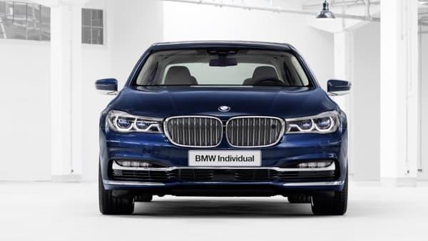 Le style de cette Série 7 a été crée par BMW Individual, l'unité de personnalisation de la marque.