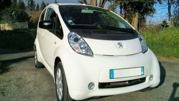La petite Peugeot iOn reste la seule voiture électrique de la marque au lion, en attendant la prochaine e208.