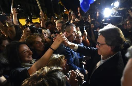 Le président sortant de la Catalogne, l'indépendantiste Artur Mas, revendique la victoire de son camp, le 27 septembre 2015 à Barcelone