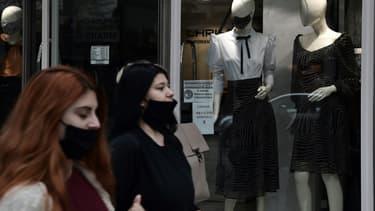 Dans une rue de Thessalonique, deuxième ville de Grèce, soumise à un confinement, le 3 novembre 2020. (Photo d'illustration)