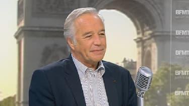 François Rebsamen, le ministre du Travail, sur le plateau de BFMTV, le 15 mai 2014.
