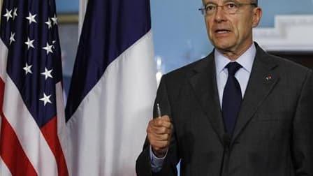Le ministre français des Affaires étrangères, Alain Juppé, à Washington. La France est prête à demander au Conseil de sécurité de l'Onu le vote d'une résolution condamnant la répression en Syrie, malgré la menace d'un veto russe. /Photo prise le 6 juin 20