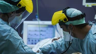 Le personnel médical d'un hôpital de Bruxelles, le 25 mars 2020.