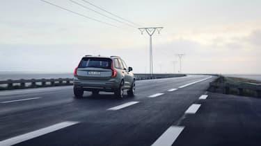 Le Volvo XC90 offre actuellement une vitesse maximale de 230 km/h... mais ce sera sans doute fini en 2020.