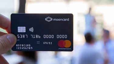 Une carte de paiement pour le carburant dans les administrations.