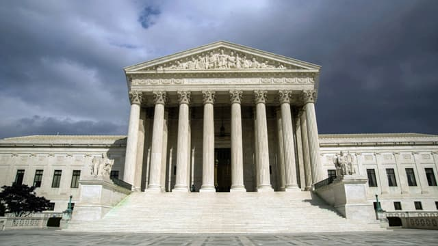 Le chef des républicains au Sénat rejette le choix d'Obama pour la Cour suprême